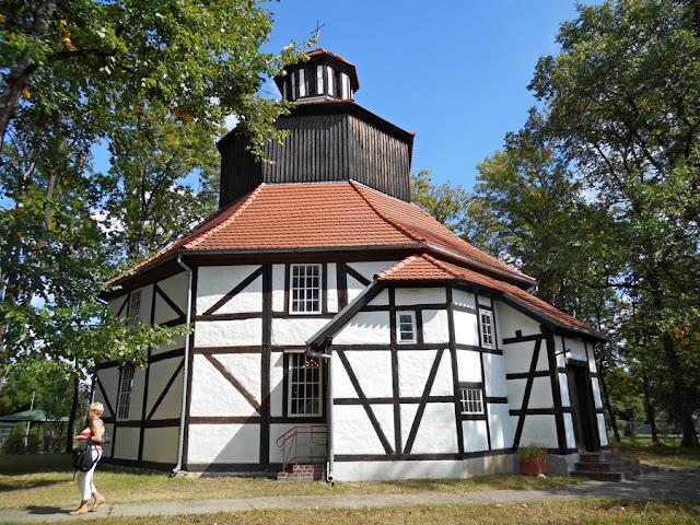 kościół pw. św. Rodziny w Sękowicach