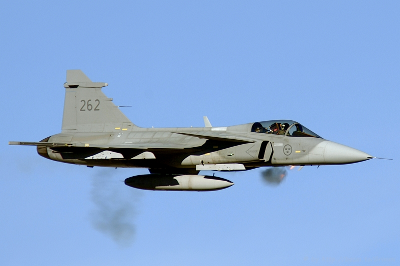 Unofficial Swiss Air Force Blog: Swiss Socialist Party supports