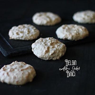 ACIBADEM KURABiYESi Tarifi nasıl yapılır kolay nefis lezzetli videolu tatlı yemek tarifleri fındıklı kurabiye tarifleri