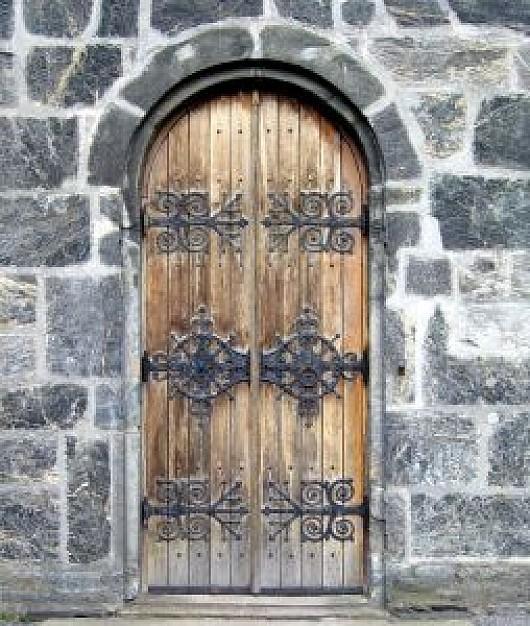 Fotos y dise os de puertas puerta medio punto madera for Puertas de madera y hierro antiguas