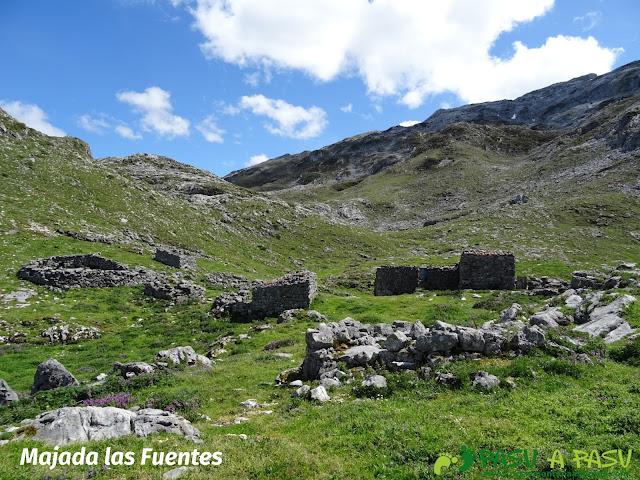 Ruta al Cantu Ceñal: Majada las Fuentes en el Cornión, Picos de Europa