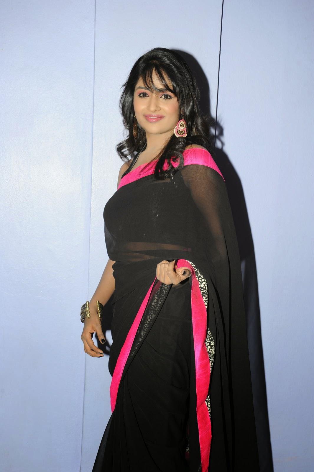 Isha Ranganath glam pics in saree-HQ-Photo-14