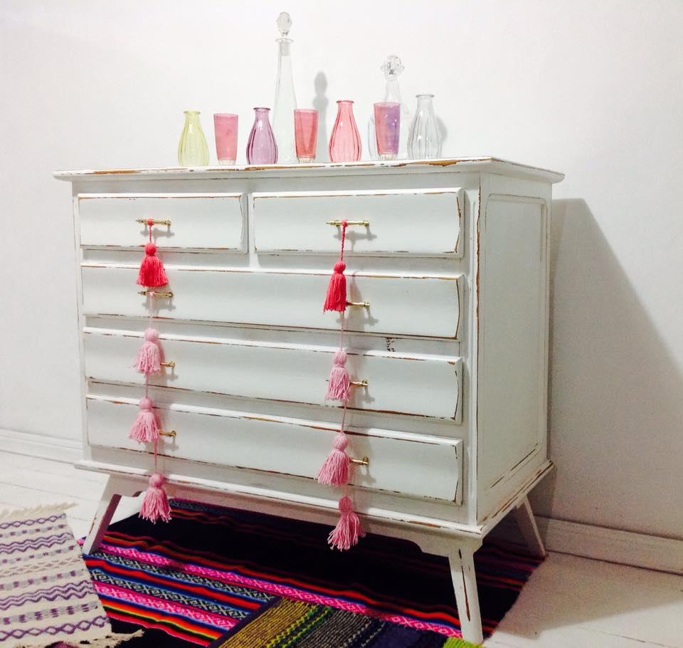 Vintouch muebles reciclados pintados a mano - Comoda vintage blanca ...