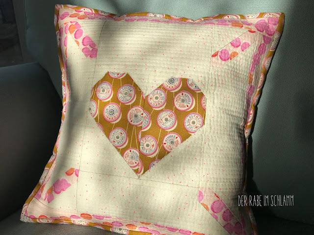 Der Rabe im Schlamm, Kissen, Nähen, Quilt pattern, ellisandhiggs, Love is all around