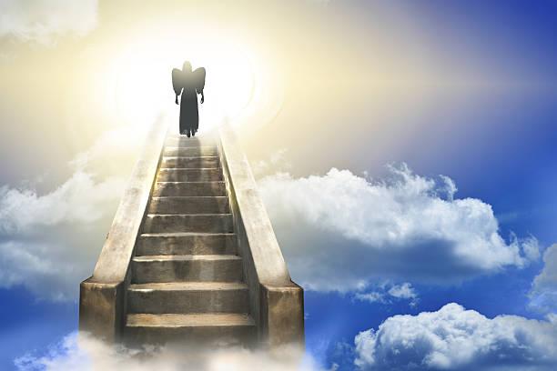 интересующую картинки лестницы ведущие в небеса когда