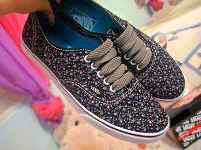 حذاء بناتي راقي جدا منقط