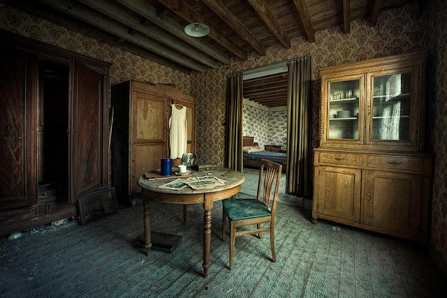 Εγκαταλειμμένα σπίτια και η μυστηριώδης εξαφάνιση των ιδιοκτητών τους