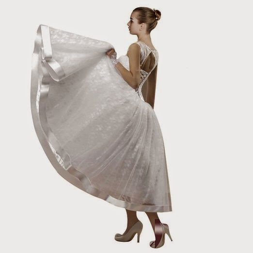 Maillsa Lace Bateau Wedding Dress