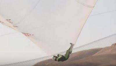 Американський скайдайвер Люк Ейкінс ghbptvkbdcz