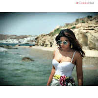 Shama Sikandar Sizzles in Bikini enjoying vacation in Mykonos July 2018    Exclusive Pics 003.jpg