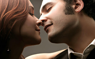 best boy and girl in true love kiss wallpapers HD images photos.jpg