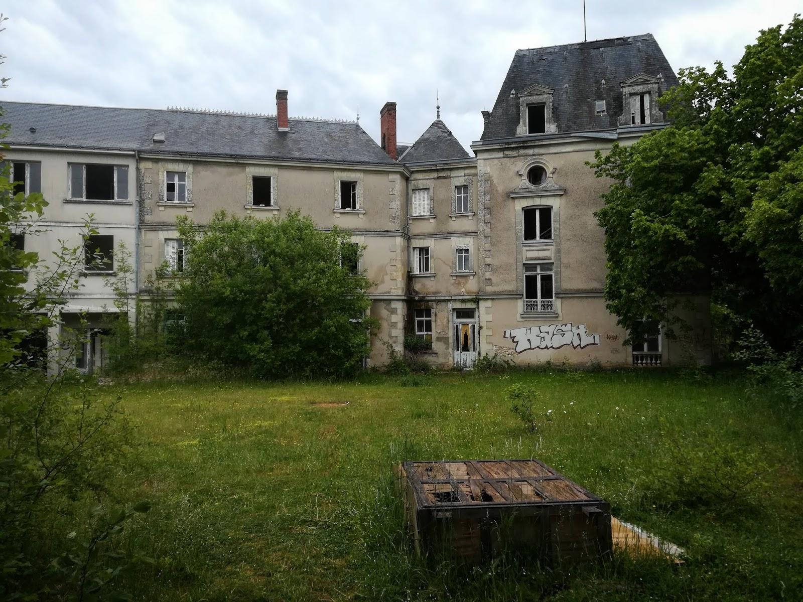 Château abandonné