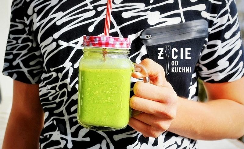 koktajl, fit, zielony, odchudzanie, dieta, żywnosc funkcjonalna, chia, platki owsiane, jarmuz, szpinak, banany, maslanka, smoothie, zielony shake, shake, zdrowa dieta