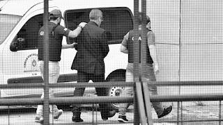 Ricardo Jaime no solo es el primer ex funcionario kirchnerista preso. Es el primero que confesó haber sido coimeado por empresarios del área de transporte y por eso fue condenado en octubre pasado.