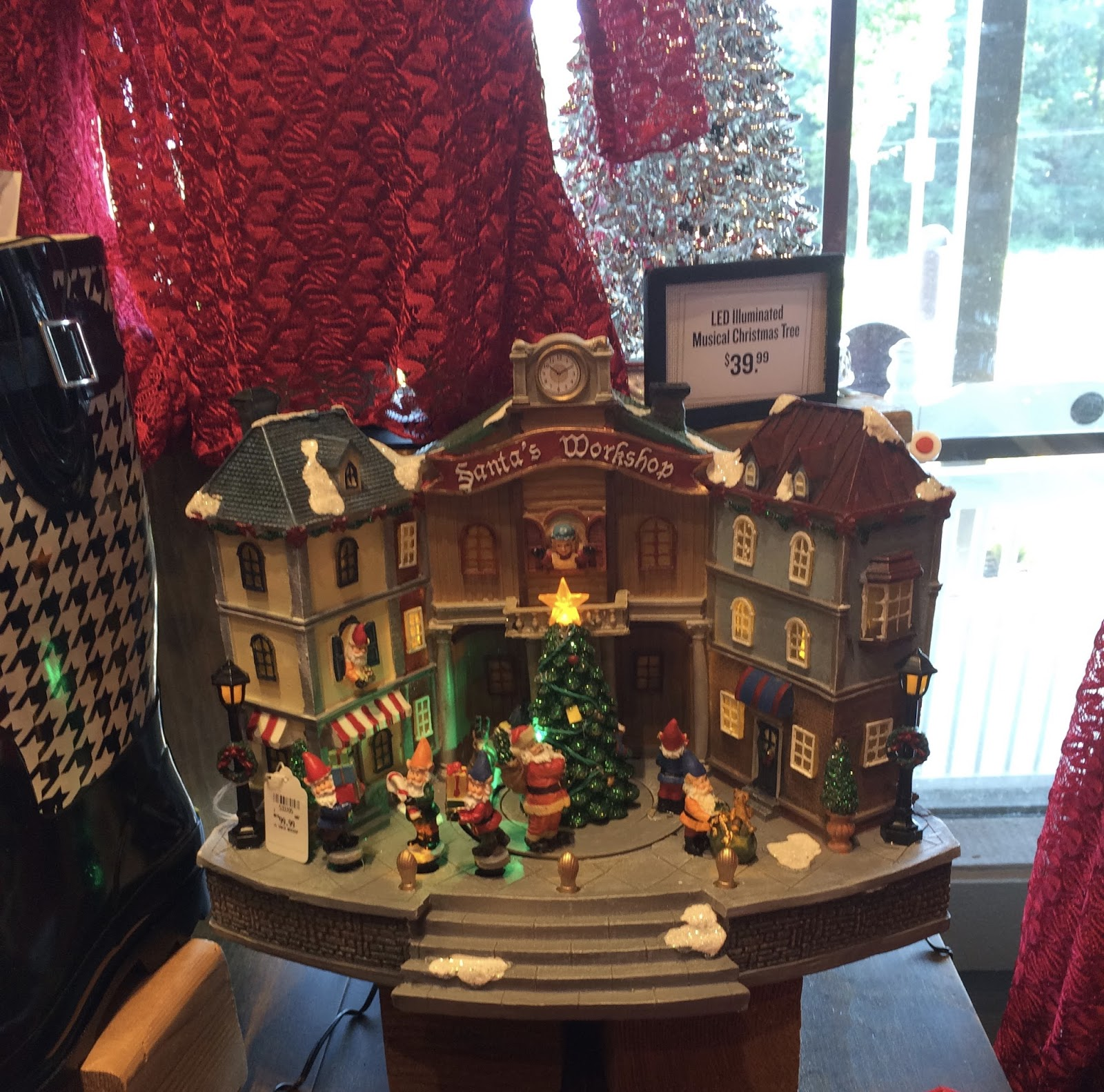 i had already seen some halloween and thanksgiving displays there but christmas so i had to take some pictures to share with you - Cracker Barrel Store Christmas Decorations