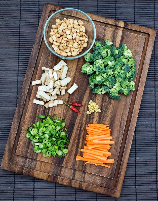 Narezana zelenjava na deski