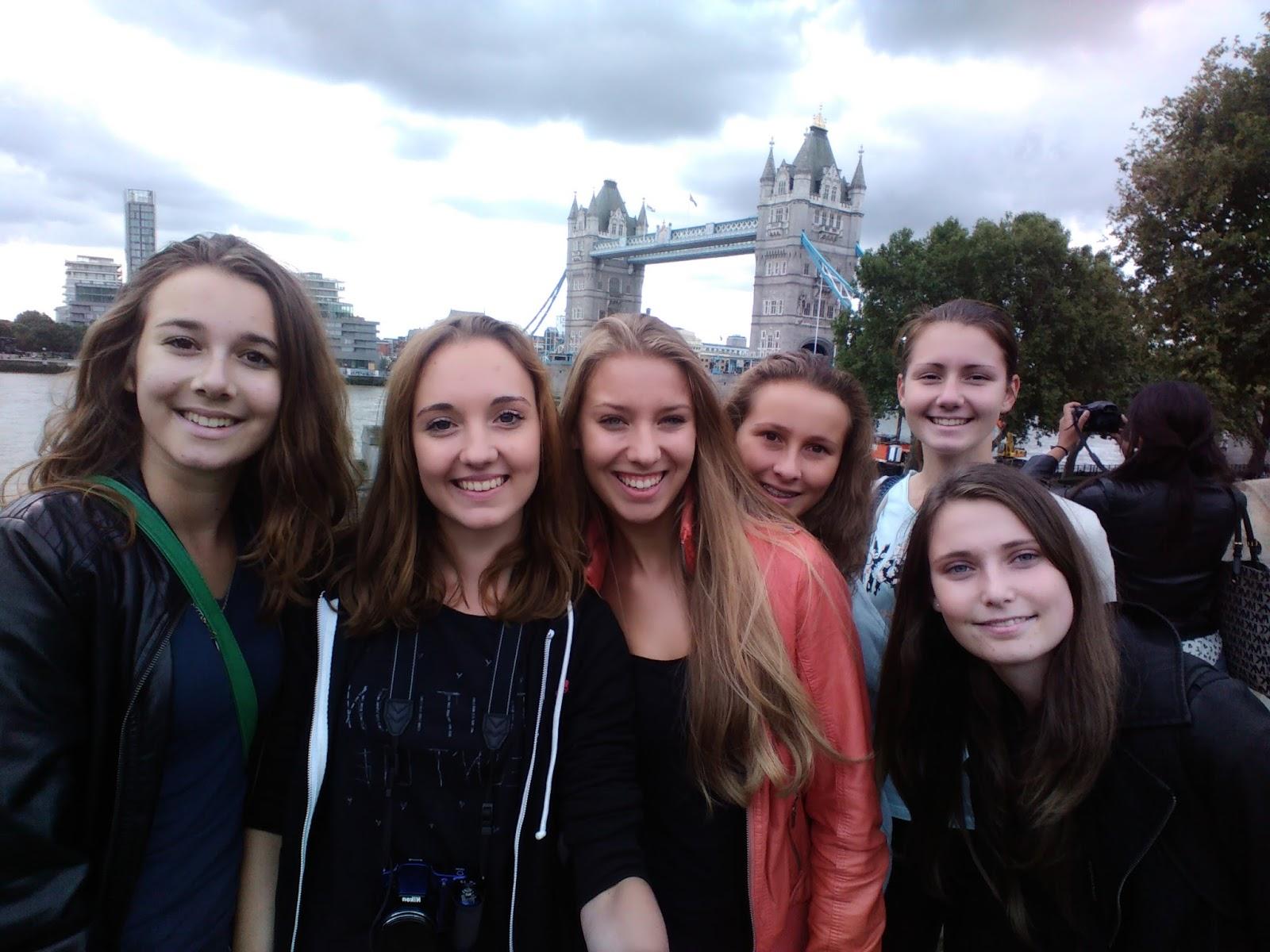 selfie u Temže v Londýně