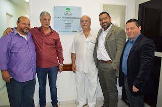 Na inauguração do CEO, o Prefeito Mario Tricano com o vice-prefeito Sandro Dias, os vereadores Serginho Pimentel e Dr. Habib e o secretário de Saúde, Julio Cesar Ambrosio