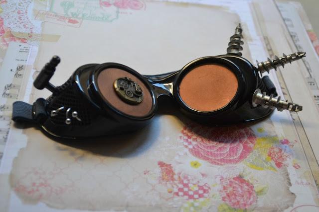 https://www.alittlemarket.com/lunettes-lunettes-de-soleil-cordons/fr_goggles_lunettes_steampunk_noir_et_cuivre_-17093760.html