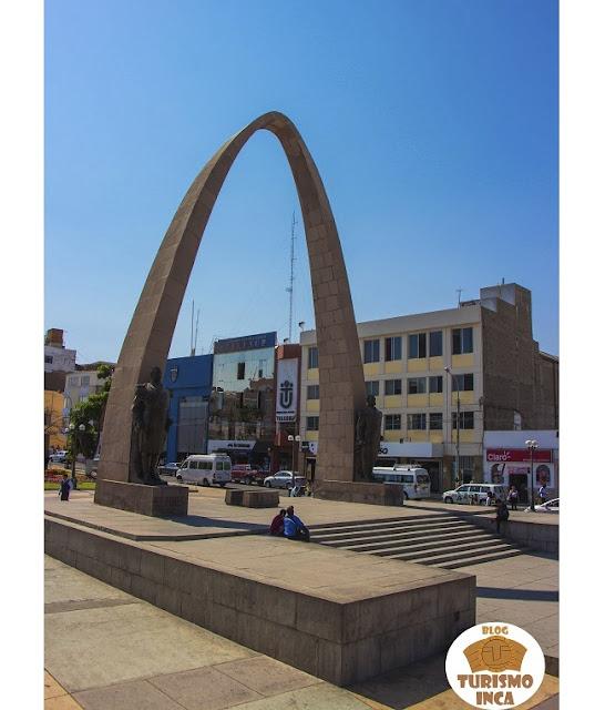 Arco parabólico Tacna