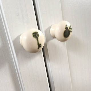 http://www.katherineoshea.co.uk/doorknobs.html