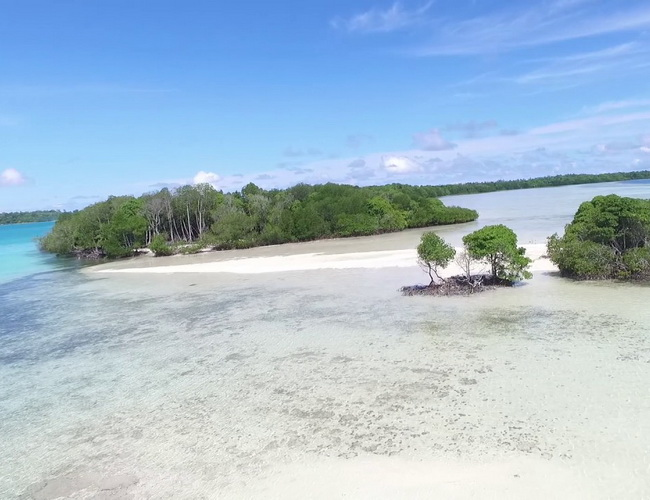 Xvlor Widi Islands is string of 99 small islands perfect place for snorkeling