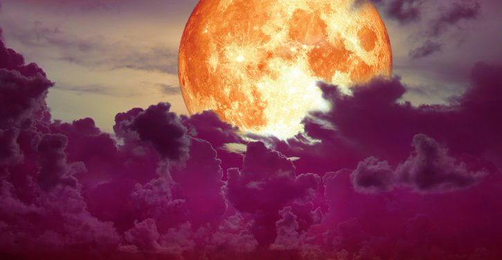 What Does The Full Moon Of July Mean To You, According To Your Zodiac Sign