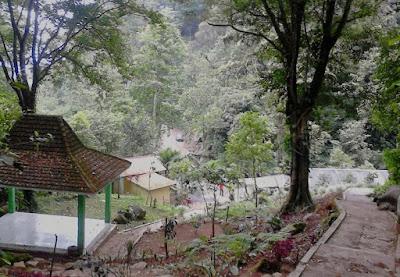 Joglo tempat Istirahat di Dlundung