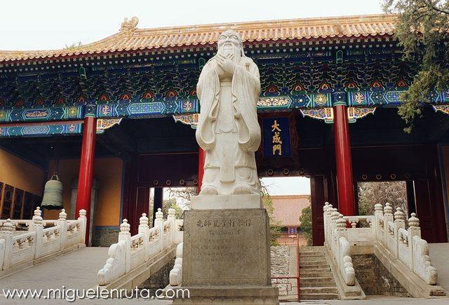 Estatua-Confucio-Pekín