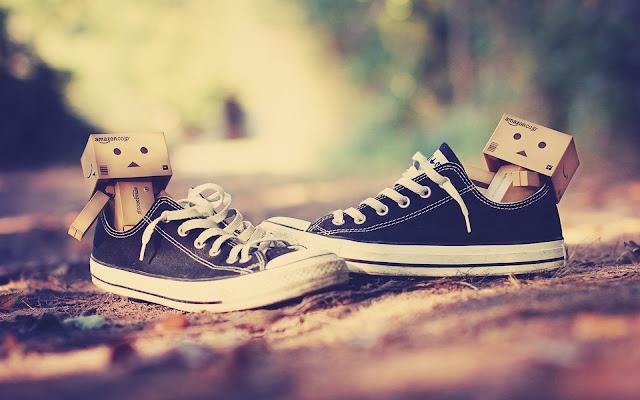 kata kata tentang sepatu | deskripsi bagian tentang sepatu | deskripsi tentang sepatu | contoh teks deskripsi tentang sepatu | fakta menarik tentang sepatu | deskripsi tentang sepatu dalam bahasa inggris | deskripsi sepatu sekolah