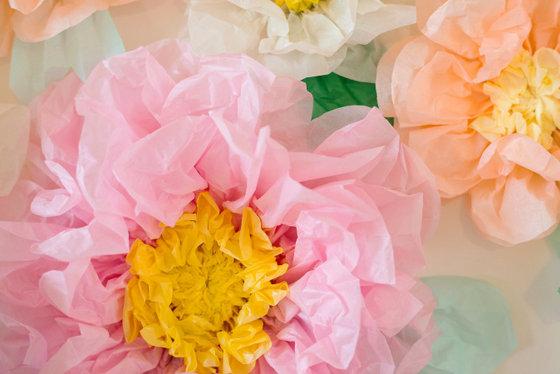 imagen_flores_papel_rosa_amarillo