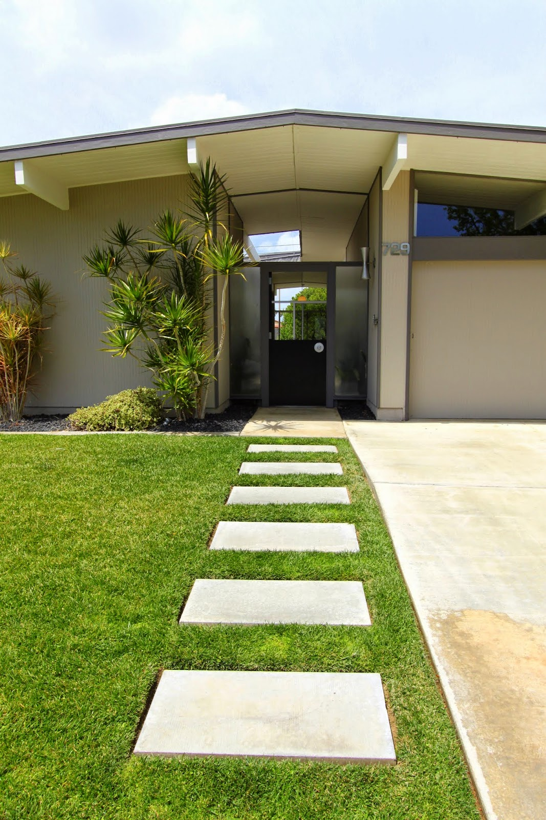 Mid-century Modern Home Tour ... Psst It's An Eichler