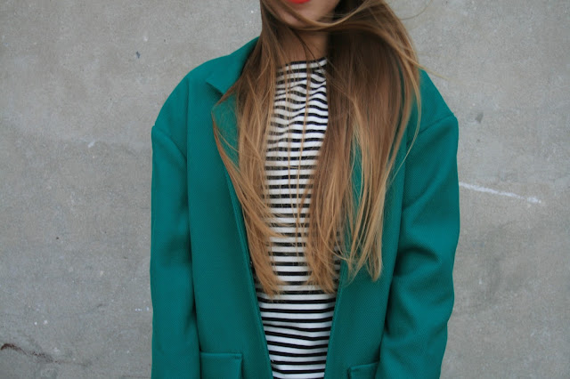 Casual style with oversize green coat | Strój dnia z szerokim płaszczem