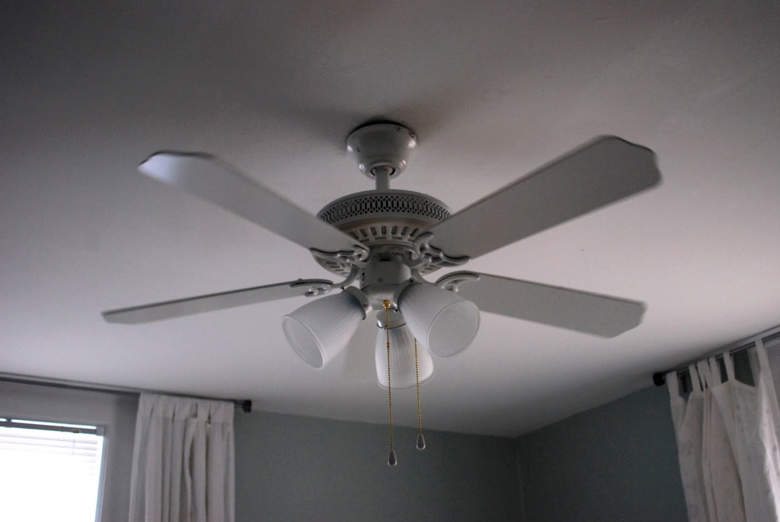 In the Little Yellow House: Bedroom Ceiling Fan Upgrade