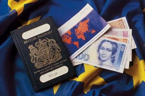 tips menyimpan uang ketika traveling