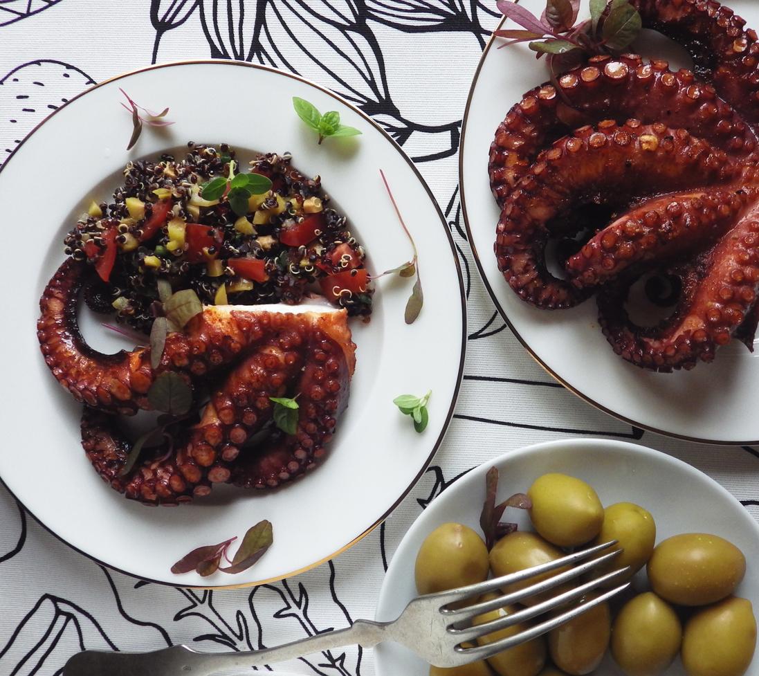 Quinoa Raz Grillowana Osmiornica I Czarna Quinoa