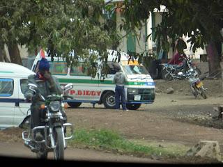 Dala-dalas y moto-taxis