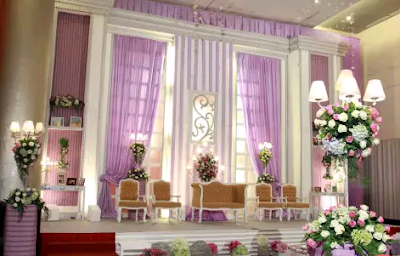 dekorasi perkawinan modern bernuansa putih