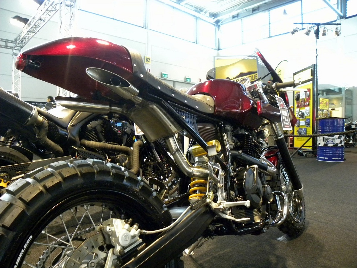 Bend Suzuki DR750 Cafe Racer - way2speed