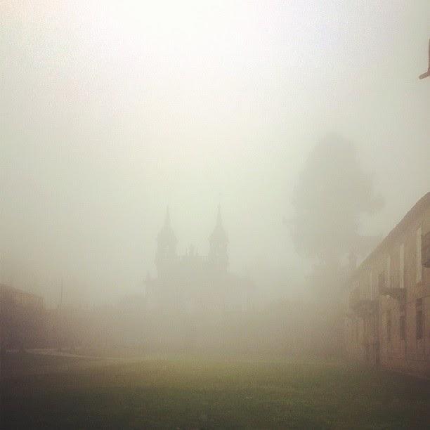 Pazo de Oca con niebla, Galicia, Spain