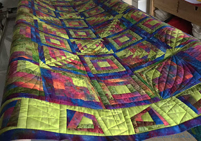 Custom Quilting - digital patterns combined with hand guided work
