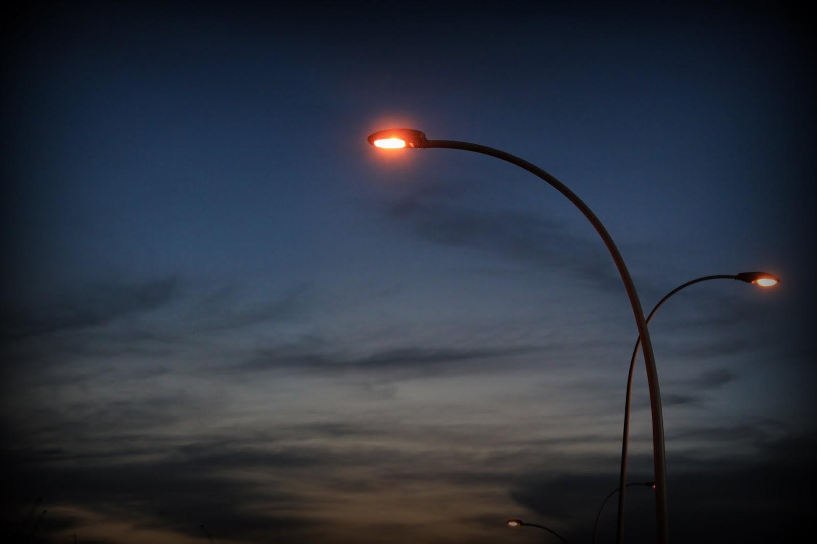 Just capture...: Lamp Post at night