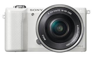 http://www.amazon.fr/Sony-Appareil-num%C3%A9rique-Objectif-r%C3%A9tractable/dp/B00HH8A60C#productDetails