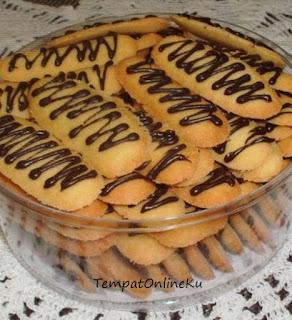 kue lidah kucing bintik coklat