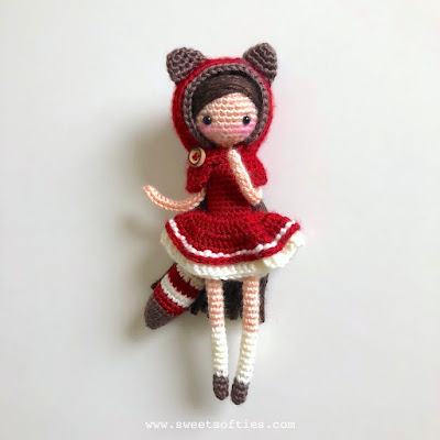 https://www.sweetsofties.com/2018/02/little-red-pandora-darling-dolls.html