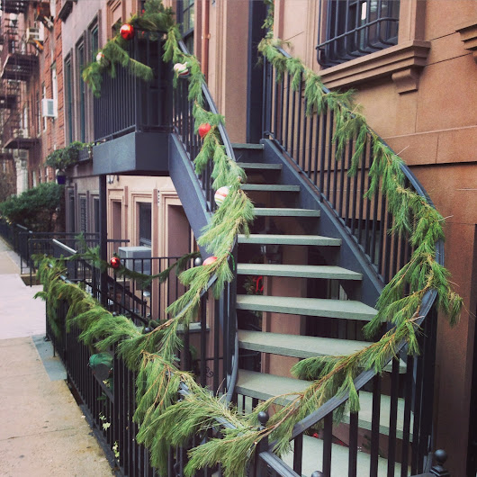 christmas spirit: 60th & 61st streets