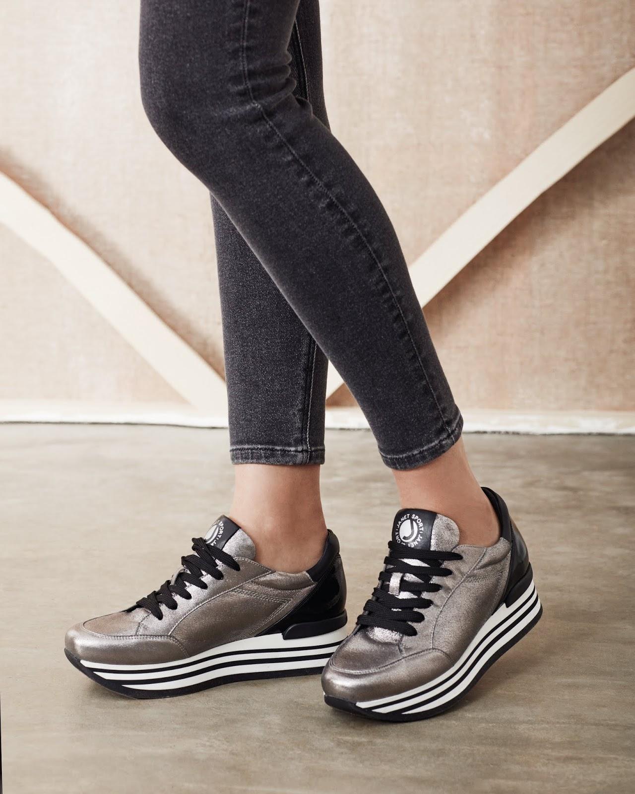 Sneakers donna online: ecco le scarpe che fanno tendenza