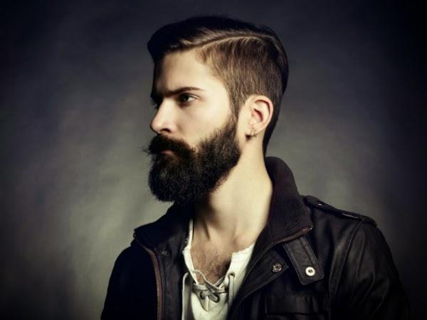 Taglio uomo capelli lunghi rasati ai lati