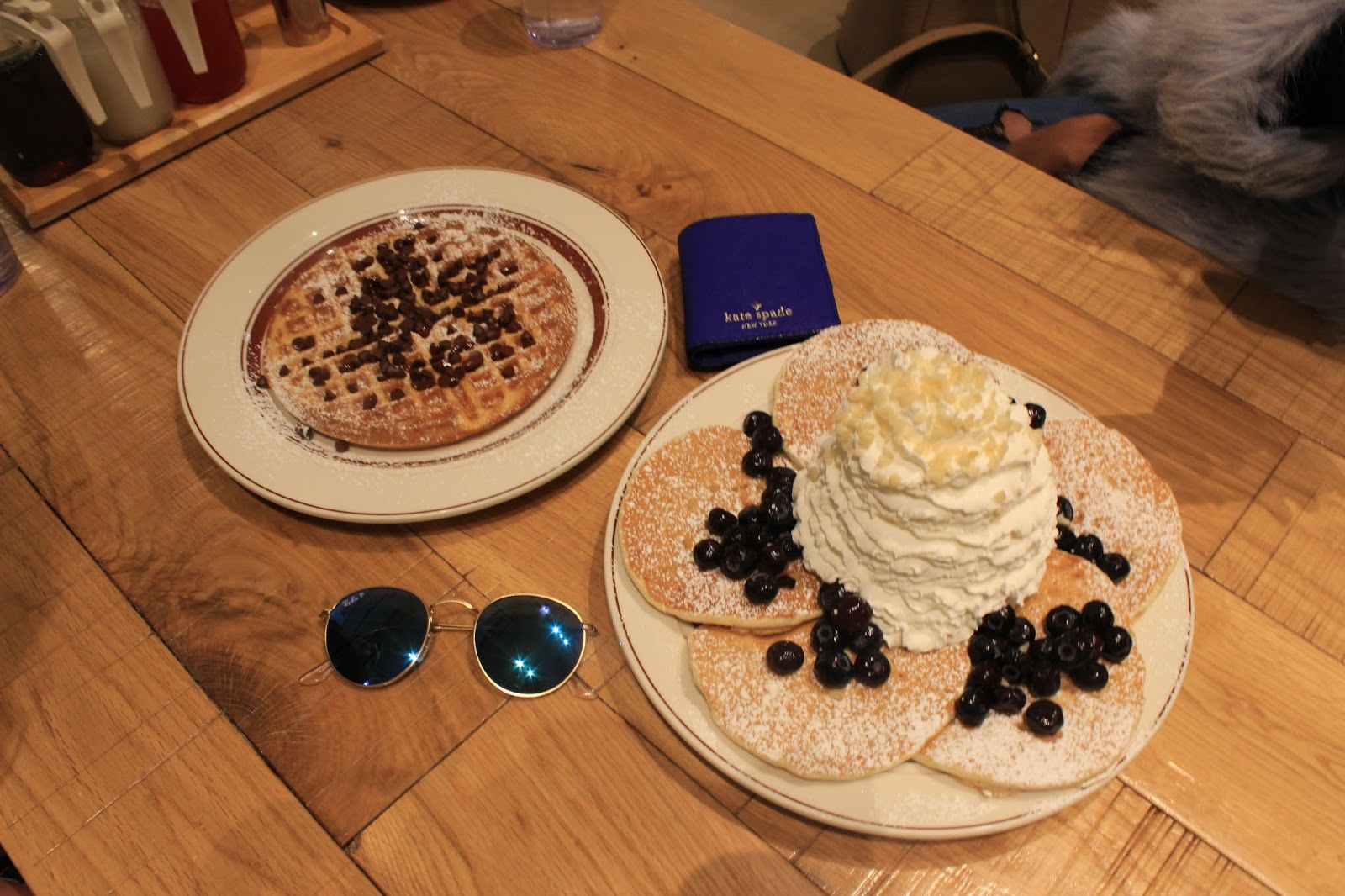 eggs and waffles tokyo