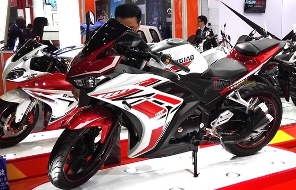 Ada Tiruan Motor Yamaha YZF-R25